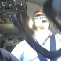 Landing A 737 In Strong Winds Looks Absurdly Difficult