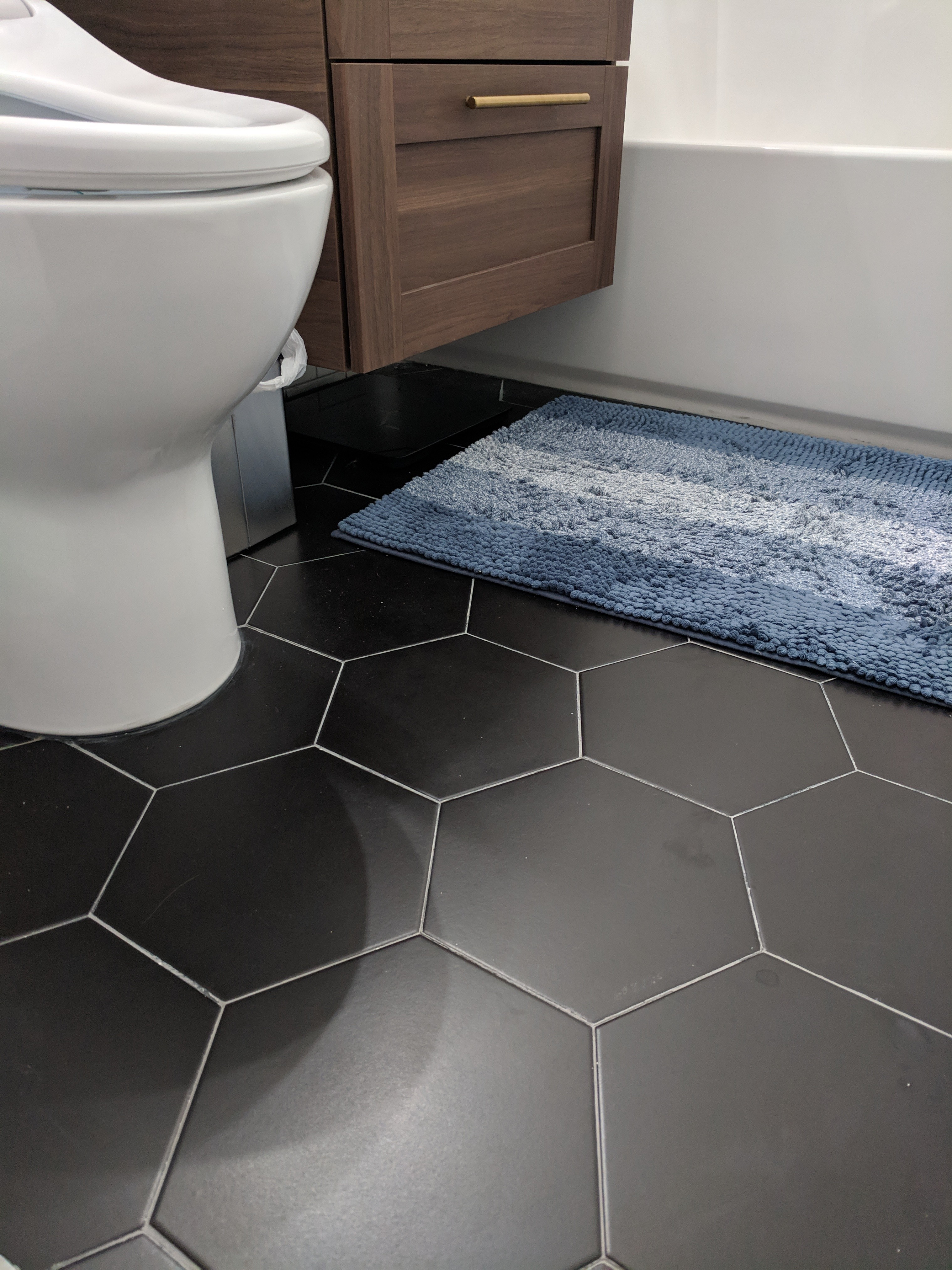 21 pieces of large black hexagon tiles