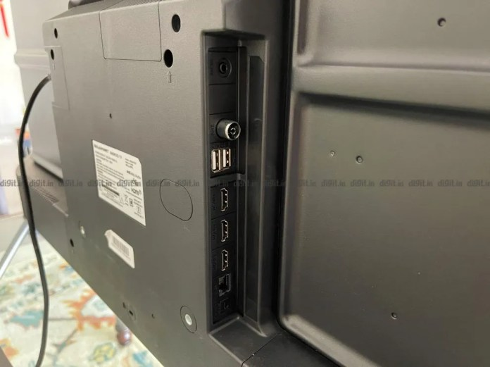 A TV Blaupunkt vem com 3 portas HDMI e 2 portas USB.