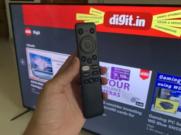 O Realme SLED TV vem com um controle remoto elegante e fácil de usar.
