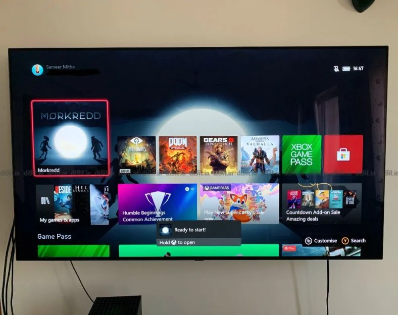 The Xbox Seres X UI is the same as the Xbox One UI.