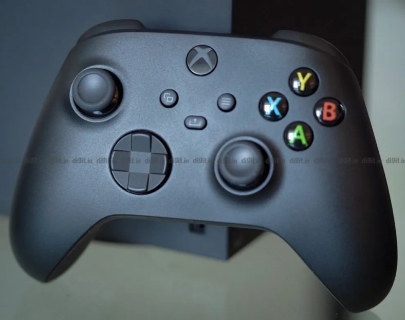 The Xbox Series X controller is a slight redesign of its predecessor.
