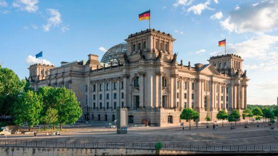 Снегът показа как САЩ подслушват както правителството, така и опозицията в германския парламент.