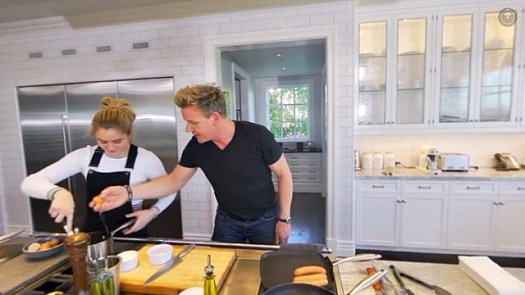 Get A 360 View Of Gordon Ramsay S Kitchen As He Prepares Full English Breakfast With Daughter Tilly