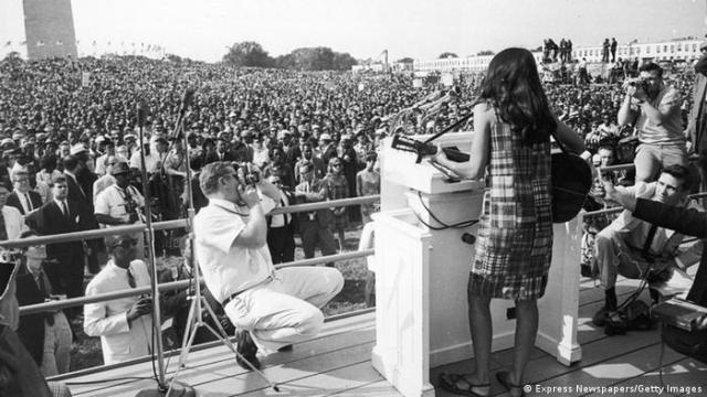 Singer-songwriter Joan Baez 1963 during the Civil Rights March on Washington