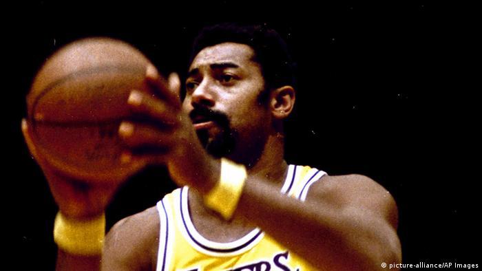 Best basket hunter in the NBA Wilt Chamberlain