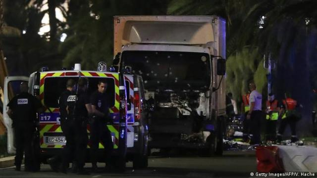 Truck that rammed the crowd in Nice