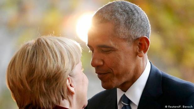 Deutschland | US-Präsident Obama wird von Bundeskanzlerin Merkel in Empfang genommen (Reuters/F. Bensch)