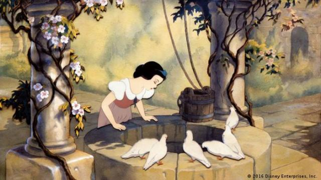 Walt Disney Snow White (2016 Disney Enterprises, Inc.)