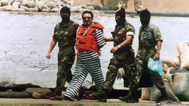 Peru Abimael Guzman wird in Gefängnis überführt