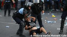 Rumänien Polizei geht gegen Demonstranten vor