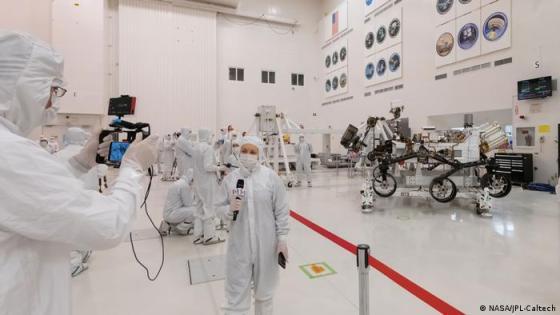 NASA 2020 Rover hadir di ruangan yang bersih