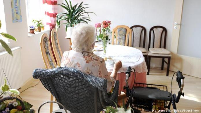 Germany / Bavaria restricts visits to nursing homes