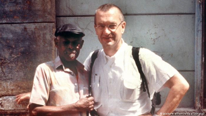 Ibrahim Ferrer and Wim Wenders, two men look into camera