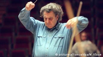 Το 1996 σε πρόβα με την Ορχήστρα Δωματίου του Gewandhaus της Λειψίας