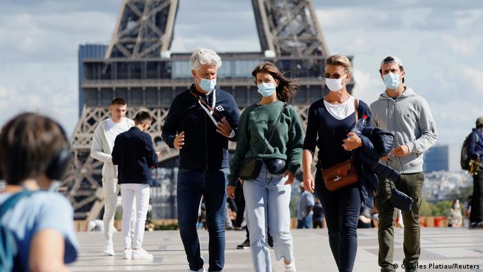 Francia registra récord de contagios de coronavirus: casi 27.000 en un día    Europa   DW   10.10.2020