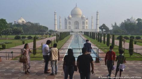 Taj Mahal Indien (Pawan Sharma/picture-alliance/AP Photo)
