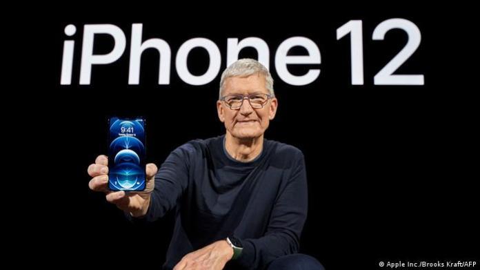 Tim Cook presents iPhone 12