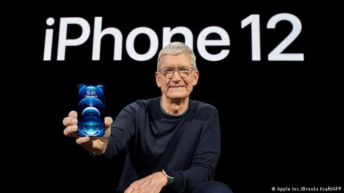 Tim Cook presents iPhone 12