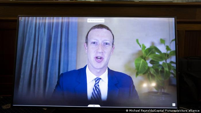 Mark Zuckerberg, director general de Facebook en comparecencia virtual ante el Senado de Estados Unidos