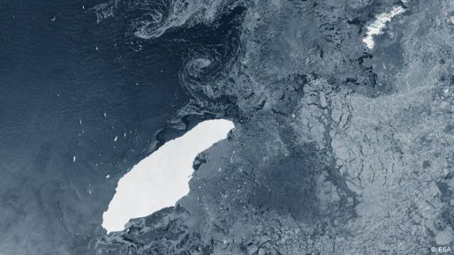 A68a iceberg in open waters