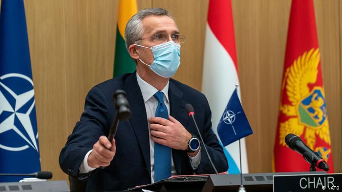 Jens Stoltenberg, secretario general de la OTAN, durante las reuniones en una imagen tomada ayer.