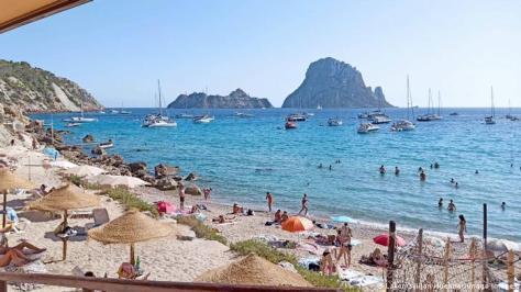 Tourists return to the island of Mallorca