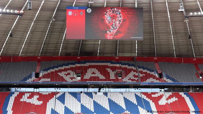 Fußball Bundesliga  FC Bayern München vs. Borussia Mönchengladbach  Anzeige 9. Titel Deutscher Meister