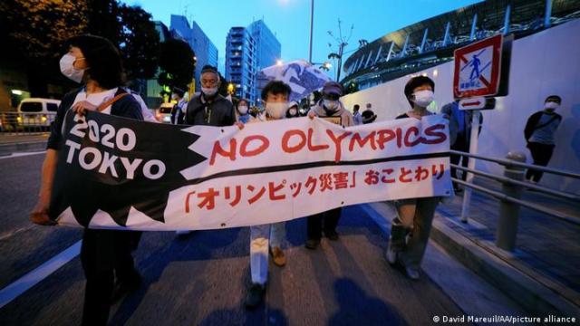 Protesto contra os Jogos Olímpicos de Tóquio, 9 de maio de 2021, em Tóquio, Japão.