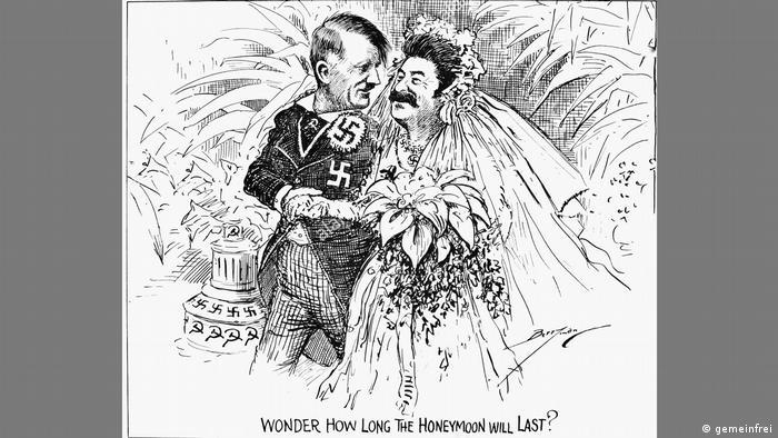 Карикатура в черно-белом варианте появилась в октябре 1939 года в американской газете Washington Star. Ее автор - художник Клиффорд Берримен