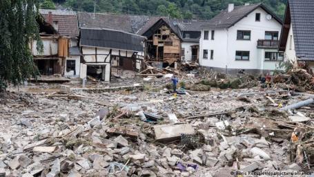 Destruição na pequena cidade de Schuld, no distrito de Ahrweiler