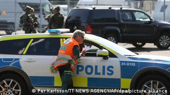 H σουηδική αστυνομία επί το έργον