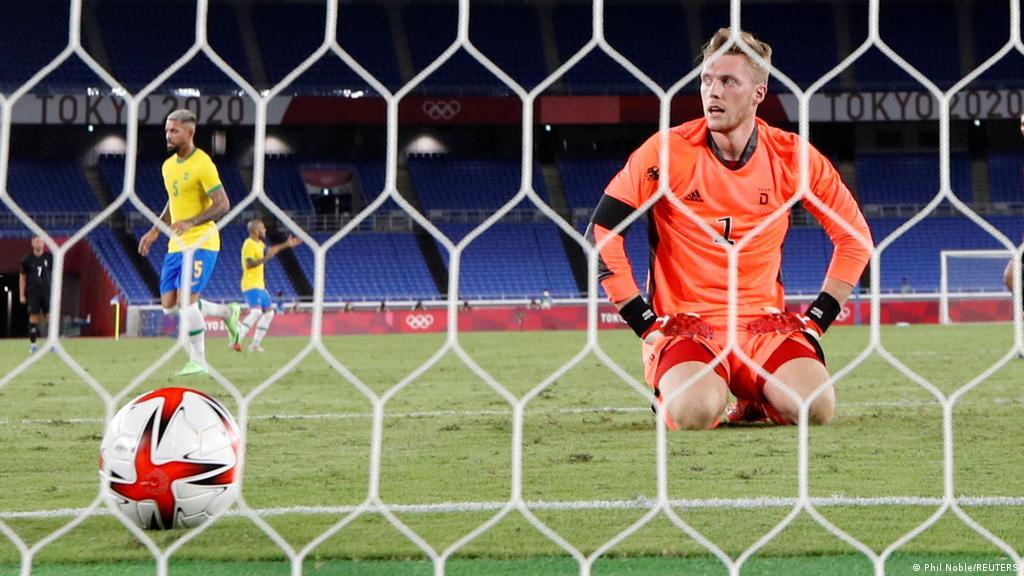 Tokyo 2020: Germany′s men′s football team outclassed by Brazil   Sports  German  football and major international sports news   DW   22.07.2021