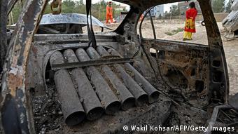 Afghanistan Kabul | Zerstörtes Auto nach Rekatenangriff