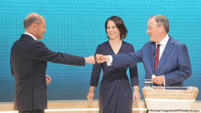 Münazarada Laschet ile Scholz arasında sert tartışmalar yaşandı