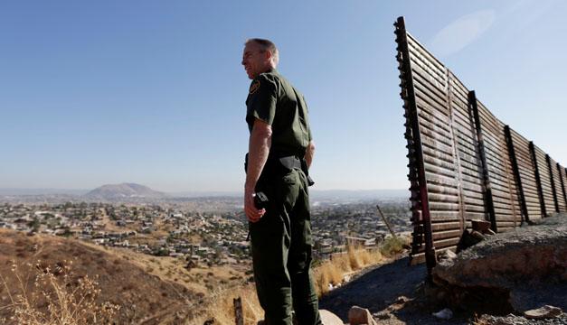 Resultado de imagen para Trump restringe el asilo a migrantes que entran por la frontera con México