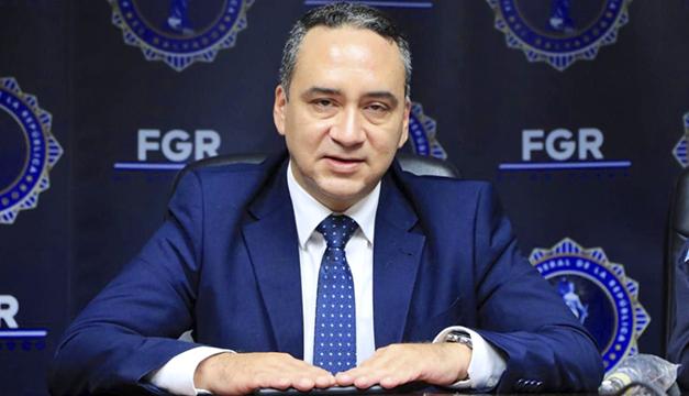 Infobae: Fiscal Delgado, impuesto por Bukele, trabajó para Alba Petróleos