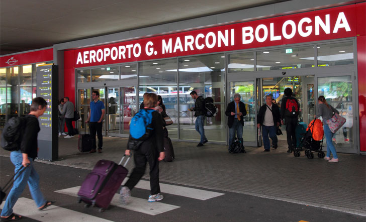 El Aeropuerto de Bolonia incorpora balizas Bluetooth, NFC y ...