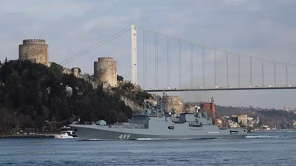 Image: The Russian Navy's frigate Admiral Makarov sets sail in the Bosphoru