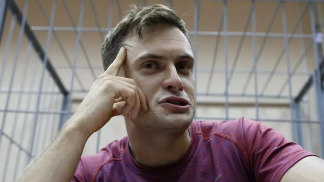 Anti-Kremlin activist Pyotr Verzilov 'was definitely poisoned'