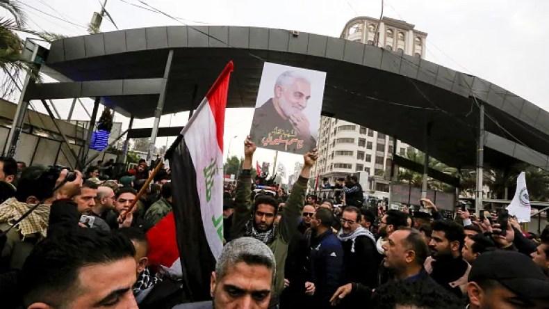 بسیج حداکثری در ایران برای تشییع جنازه ی قاسم سلیمانی