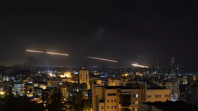 Israël cible des infrastructures du Hamas et fait face à des émeutes dans  plusieurs villes | Euronews