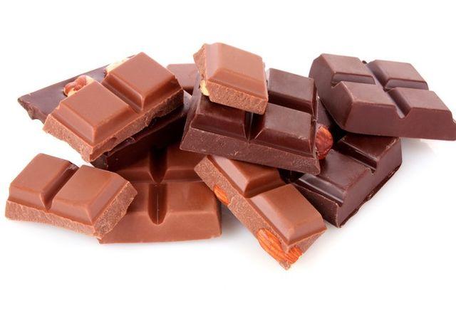 5 motive pentru care ar fi bine să alegi ciocolata neagră în locul celei cu lapte