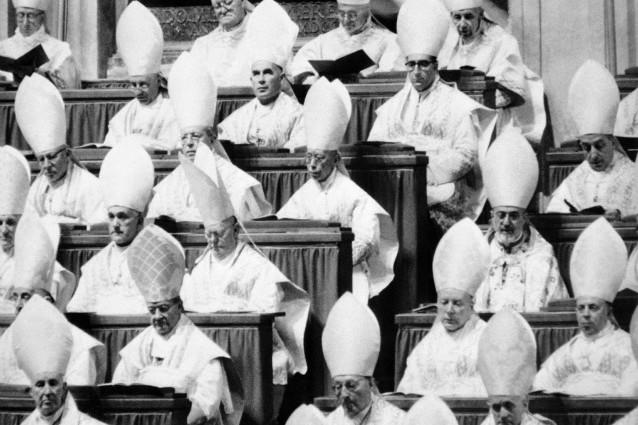 Celestino V e gli altri, storie di abdicazioni pontificie.