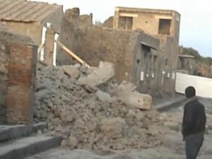Pompei, dopo il crollo