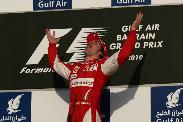 F1, GP Bahrain 2010: Alonso trionfa al debutto in Ferrari