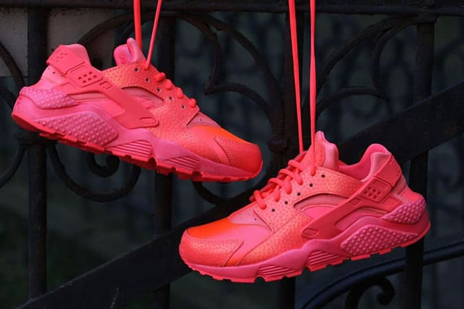 Nike Air Huaraches Hot Lava Pack Baskets