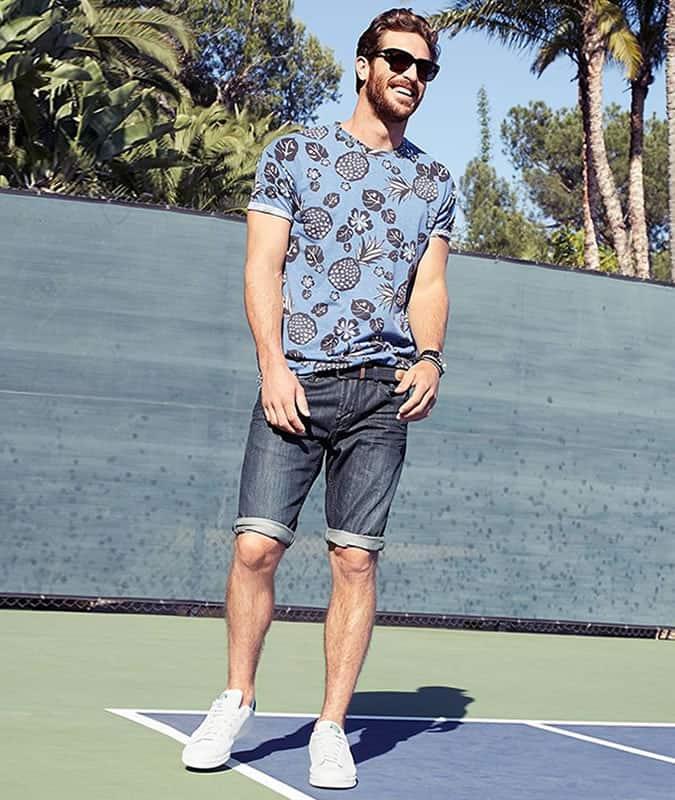 Short en jean + T-shirt imprimé