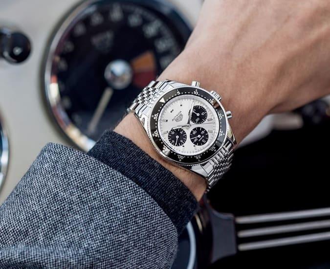 Conseils de vente pour hommes - Recherchez des montres d'entrée de gamme accessibles dans les ventes