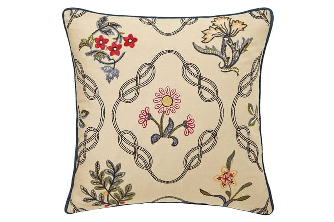 MORRIS AND CO Morris & co strawberry thief cushion